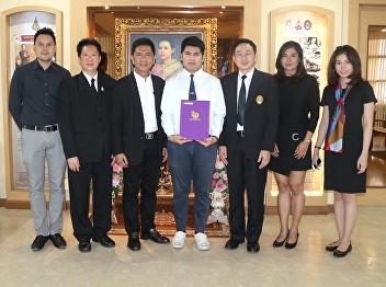 ชินวัฒน์ ครามพินิจ, 4th year student of Printing Design received the AsiaStar Awards 2016.